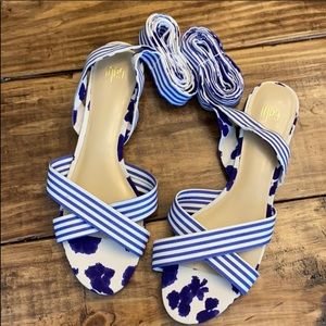 New CAbi tie up flat sandals size 10